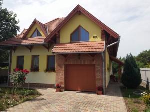 Ház és kert